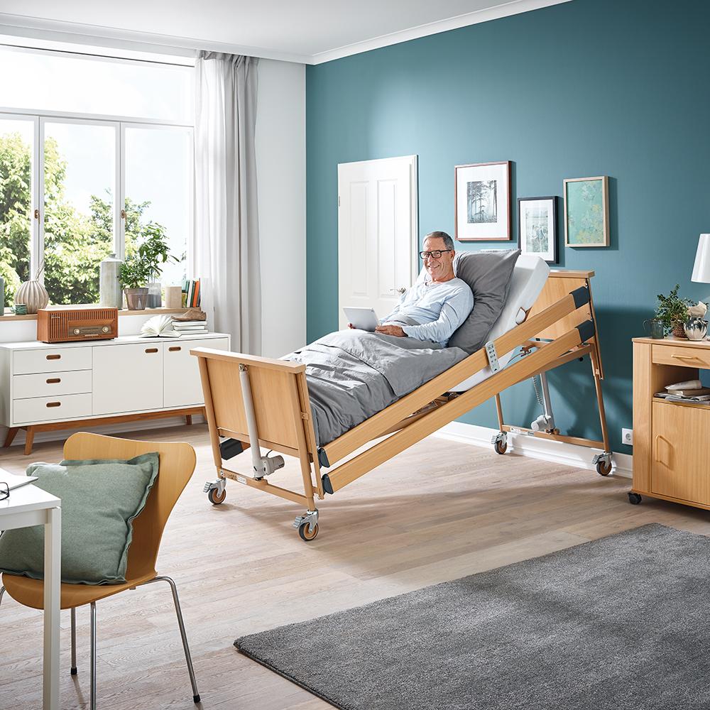 Pflegebett Dali mit Holzhauben